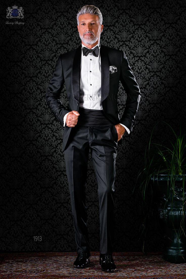 Esmoquin negro con solapa chal y un botón de raso. Tejido fresco de pura lana. Esmoquin 1913 Colección Black Tie Ottavio Nuccio Gala.