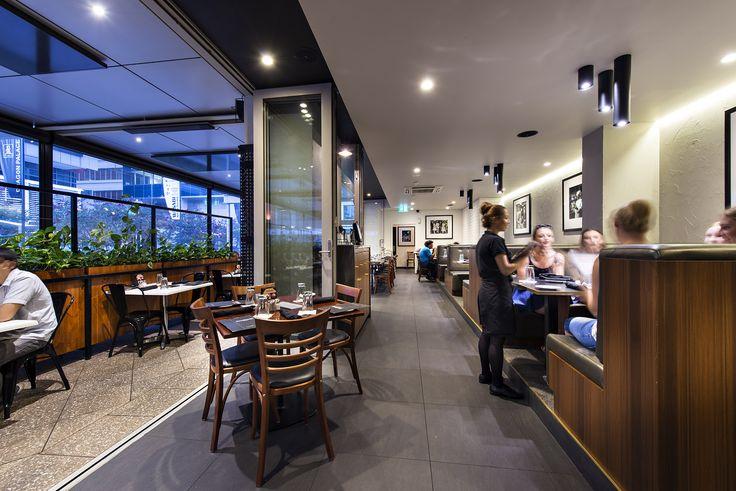 Tony Roma's by Matthews & Scavalli Architects