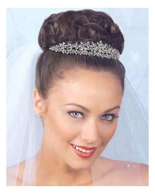 Hairstyles, Wedding Hair With Tiara And Veil: Hairstyles with veil