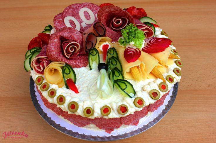 Složení: chléb, vepřová šunka, Herkules salám, sýr Eidam, paprikový salám, pomazánka (možno dle přání), zelenina, olivy, feferonky)