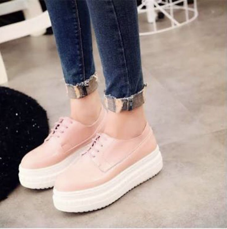 Rose platform lace ups are a feminine colour applied to an androgynous style shoe. A shorter hemline reveals the ankle and an accent cuff on the jeans creating further interest with a pop of metallic. Photo credit: aliexpress.com