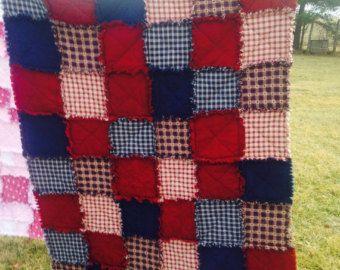Ragtime lap quilt con hogareño las telas escocesas. Super acogedor acurrucarse bajo.  telas casero 100% algodón con bateo de algodón.  Telas frontales y posterior son las mismas.  50 x 43