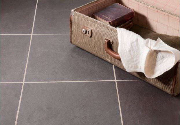 Our newest addition to the slate range, the Heather Slate varies from light to dark grey with purple undertones and hues. A lightly riven surface adds a sophisticated touch to this classic stone.