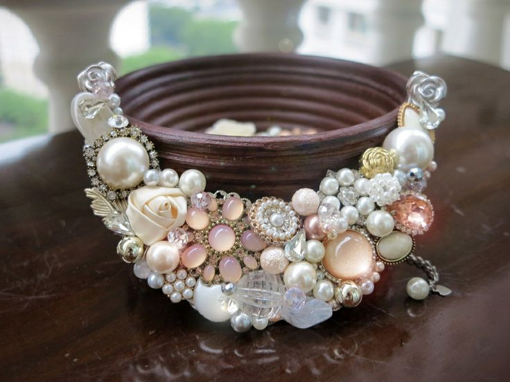 Vignette Collections - Peach Ivory :: Vintage Handmade Necklace :: Peach, Gold, Ivory, Antique, Classic