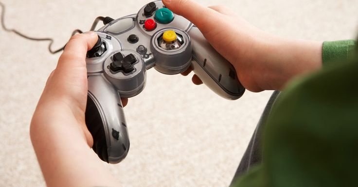 Cómo configurar un mando de juego. Antes de usar un mando de juego para jugar en una computadora o una videoconsola, quizás necesites configurarlo. Suelen requerir poca configuración, si es que necesitan alguna, pero los mandos de PC pueden demandar algo más de personalización antes de ser usados con éxito. Los pasos específicos de configuración varían de un fabricante a otro, de ...