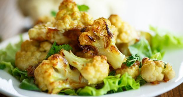Chilli Gobi Recipe - Spice up your meal with this chilli gobhi recipe. Cauliflower florets are cooked with an oriental tang. Its quick and easy.