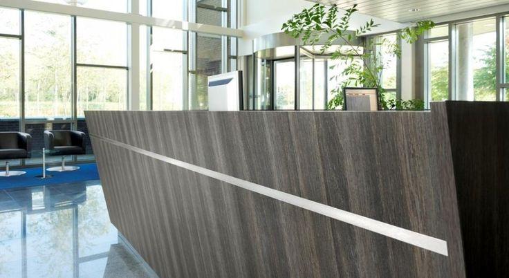 Receptiebalie op maat voor showroom of bedrijfsruimte van Cokoen Interieurmaatwerk.