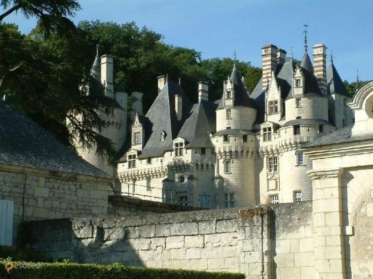 Замок Юссэ – #Франция #Центр (#FR_F) Небольшой, аккуратный и утонченный, замок Юссе на реке Эндр в долине Луары - отсюда родом Спящая Красавица! http://ru.esosedi.org/FR/F/1000077604/zamok_yussye/
