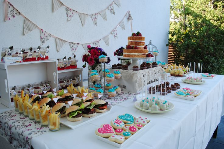 Sweet Table Holy Cake