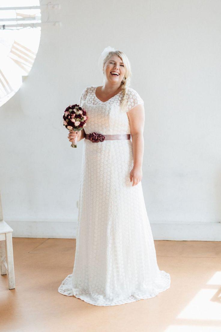 Brautkleid große Größen – unsere Uma kommt mit wunderschöner