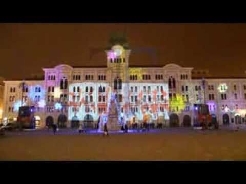 Piazza Unità d'Italia, Trieste. Tondello Tecnologie, luci architetturali natalizie. Tondello Technologies, Christsmas architectural lighting.