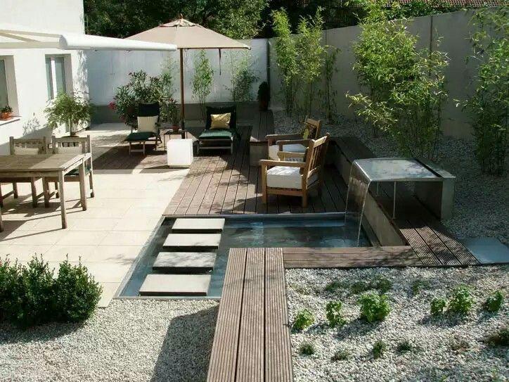12 Garten Mit Wasser Garten Gestaltung Gartengestaltung Gartenstuhl Kinder Geniale Tricks In 2020 Contemporary Garden Garden Design Small Backyard Landscaping