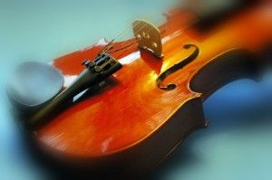 Learning to Play Violin - Teach Yourself Violin Online http://downloadpianolessons.com/learning-to-play-violin-teach-yourself-violin-online #music #violin #learnviolin