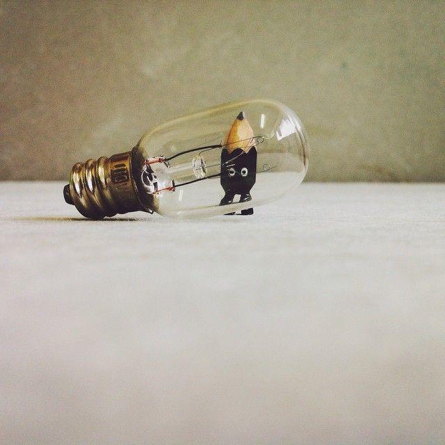 ✏️ #art #acrylic #artwork #tiny #figure #doll #tinydoll #wood #woodcarving #pencil #pencilman #etsy #creative #craftsposure #stationery #handmade #miniature #lightbulb