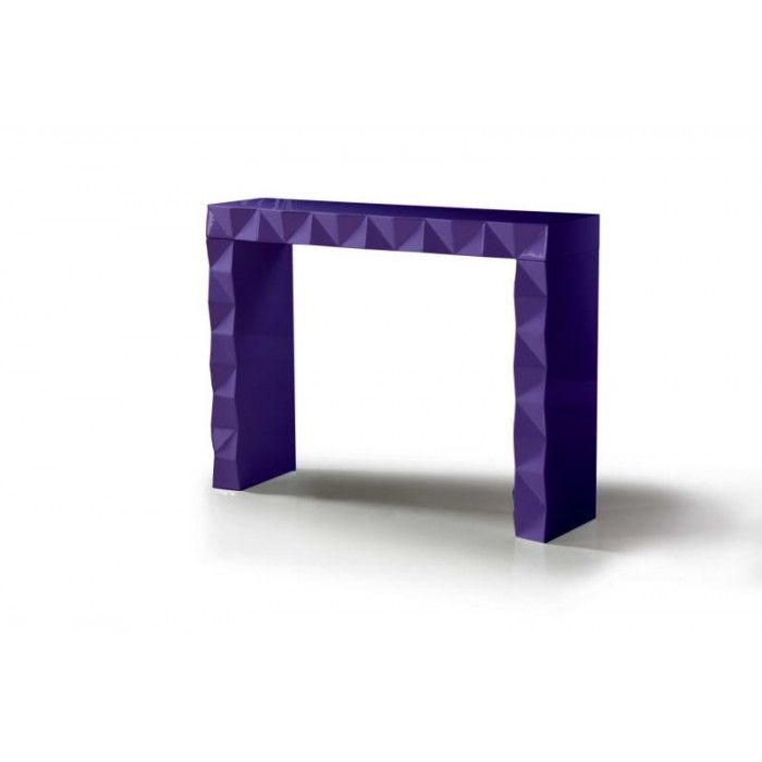 The Eva modern purple console table uses lacquer patterned pyramid blocks for accentuation that harmonizes beautifully with its sleek lacquer top. Although it has a simple structure, its functionality cannot be denied, offering dual purposes -that of a console table and a bar on some occasions. This table comes in different lacquer colors.