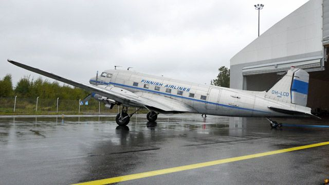 History of all Finnish DC-3s.