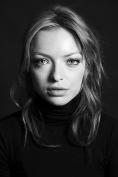 Francesca Eastwood // Hair: blonde - Eyes: green - Height: 165 cm - Background: Dutch, English, Irish, Scottish - Nationality: American