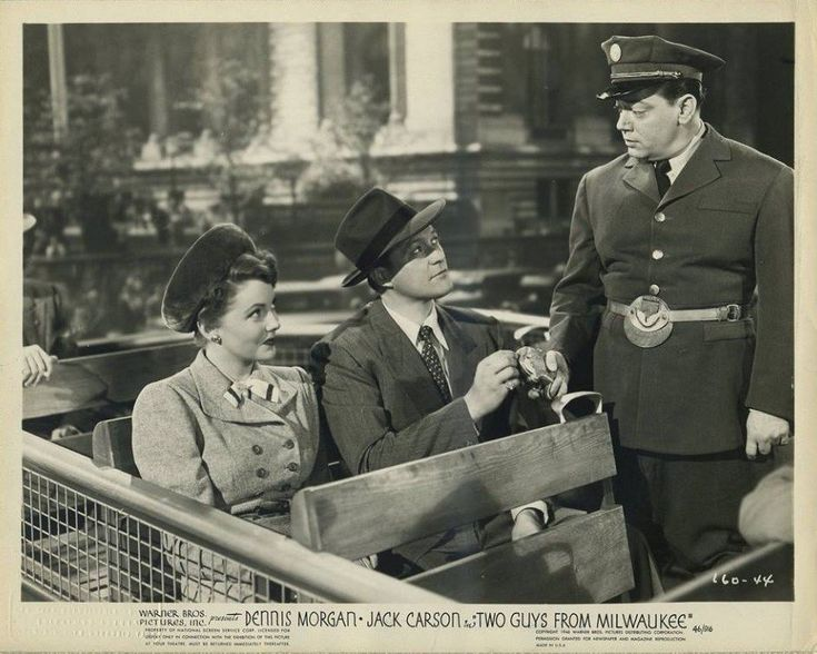 Eddie Bruce, Joan Leslie, and Dennis Morgan in Two Guys from Milwaukee (1946)