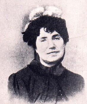 Rosalia de Castro, enlace escogido por recomendación del libro digital de baula, donde explica muy brevemente la vida de esta autora famosa.