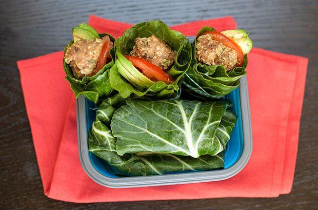 Raw Collard Envolturas con Turquía Albóndigas, aguacate y Dijon   19 Deliciosos almuerzos para oficina con menos de 400 calorías