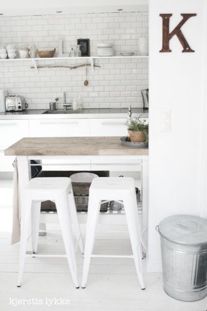 Love this kitchen. From Kjerstis lykke.
