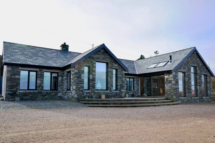 House in Renvyle, Ireland. This modern and luxurious stone-clad bungalow is located on the famous Connemara Loop. Facing out over the Atlantic ocean, the property offers unrivalled panoramic views of ocean, islands and mountains. High-spec property.     4 Bedrooms – Sleeps ...