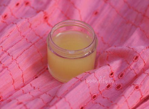 Kokosový olej a bambucké máslo jsou jedny z nejlepších kosmetických surovin, na které narazíme. Jsou výborným pěstícím prostředkem pro zdravou pleť i hojivým balzámem pro kůži, kterou něco trápí. A hodí se bezvadně na jakoukoliv část našeho těla. Takže musely…Čtěte dále ›