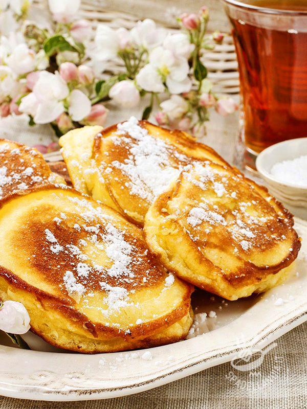 Fried apples in batter gluten-free - Le Mele fritte in pastella, nella versone gluten free, sono adatte per un risveglio goloso o per una merenda da leccarsi i baffi.