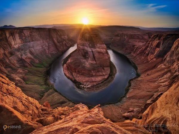Озеро Пауэлл – #Соединённые_Штаты_Америки #Юта (#US_UT) Второе по величине водохранилище США - искусственное озеро Пауэлл, расположившееся посреди самых знаменитых природных достопримечательностей Америки! http://ru.esosedi.org/US/UT/1000080511/ozero_pauyell/