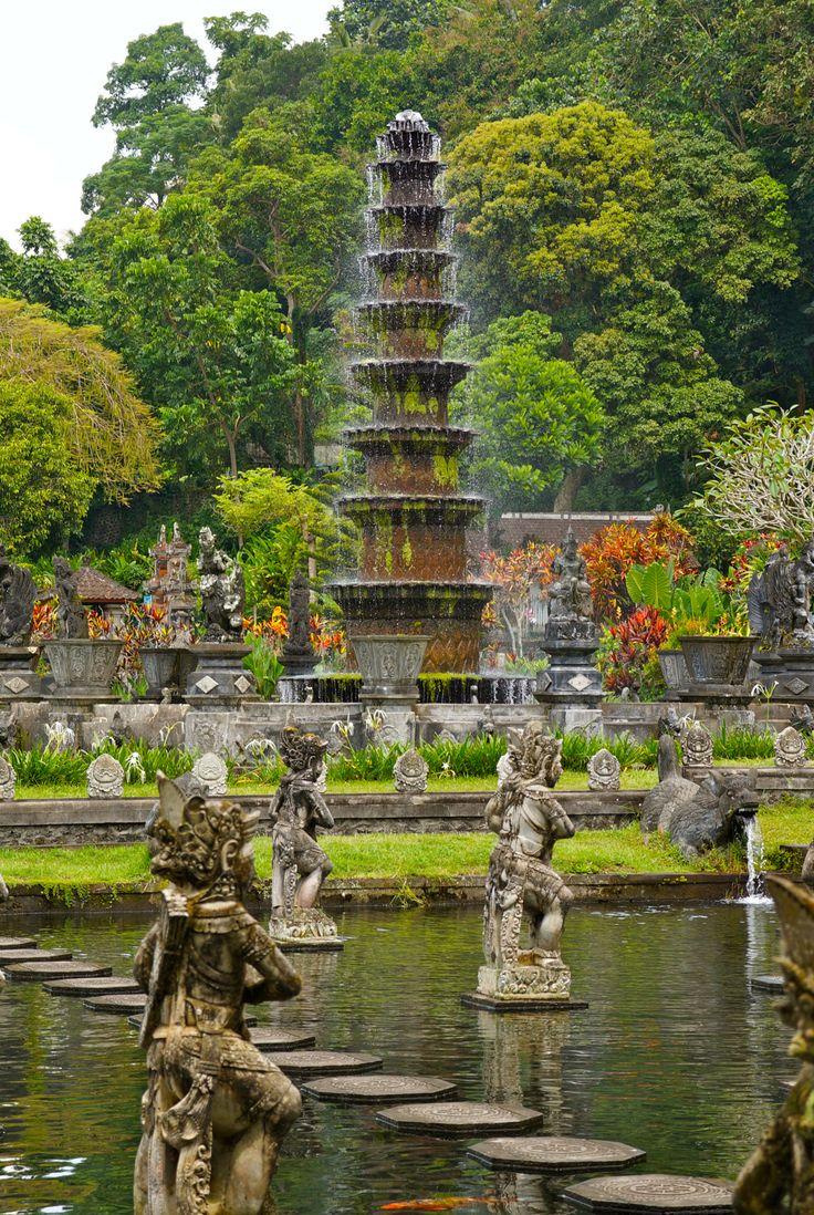 Tirtagangga Water Palace, Amlapura, Bali.