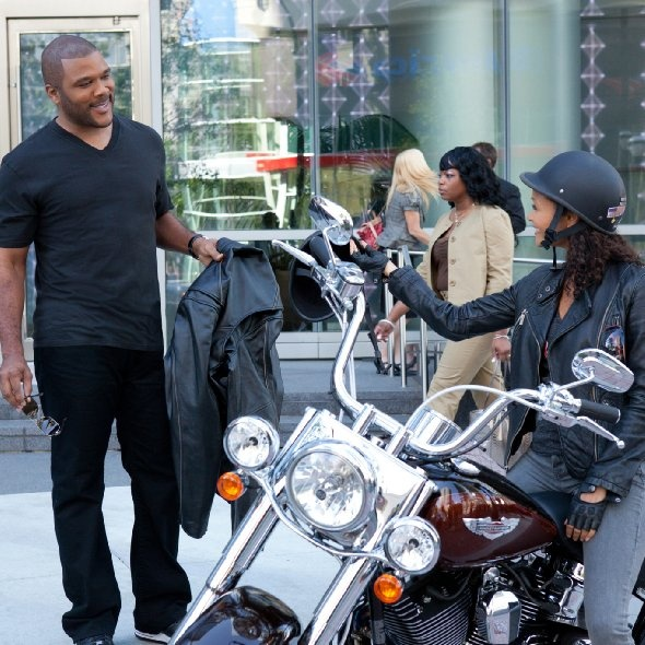 Still of Thandie Newton and Tyler Perry in Good Deeds ( Movie Trailers )