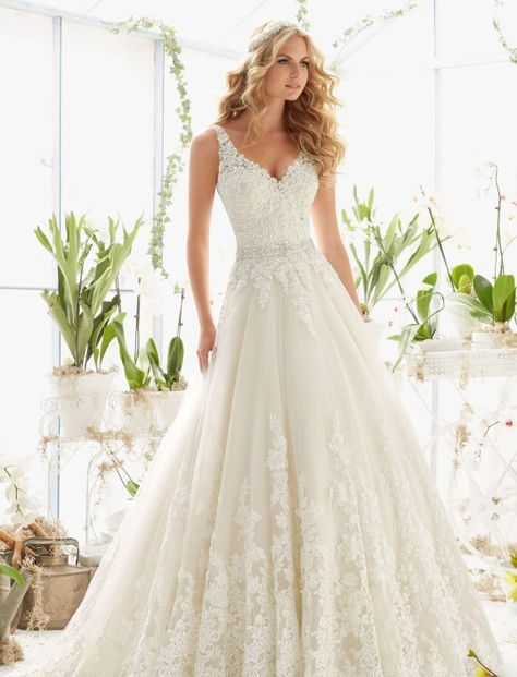 Die besten 25+ Brautmode Ideen auf Pinterest Hochzeitskleid - kleine offene k amp uuml che