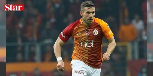 Podolski'ye Vissel Kobe soruldu! İşte cevabı...: Galatasaray'ın Alman yıldızı Lukas Podolski, Japonya takımlarından Vissel Kobe'ye transferiyle ilgili soruları yanıtsız bıraktı.