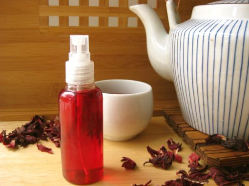 Hibiscus tea for brightening red hair naturally! Love the idea, I may try this in the winter time when my red hair darkens...