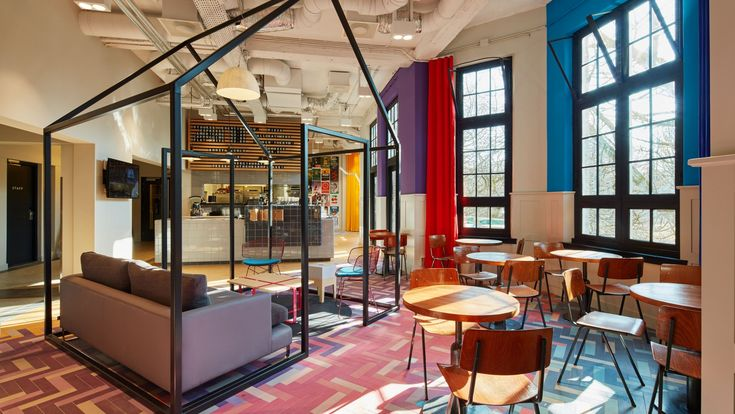 Slightly more than 20 years after the award-winning Canadian designer Anwar Mekhayech founded Generator Hostels, a 10th location has opened its doors – hot on the heels of London, Venice, Paris, Hamburg, Rome, Berlin, Barcelona, Copenhagen and Dublin.