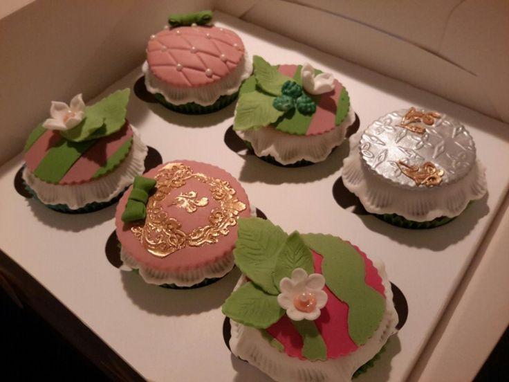 Vintage cupcakes3