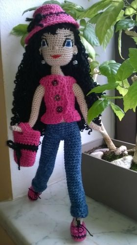Creative Club - portál pro všechny kreativní lidi - Katalog zboží - Háčkovaná panenka amigurumi