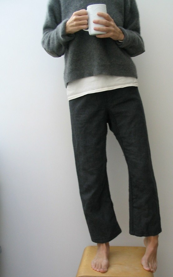 (via minimalist fashion / le bouton | japanese style pants)