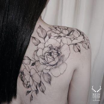 Flower Tattoos on Shoulder Blade by Zihwa