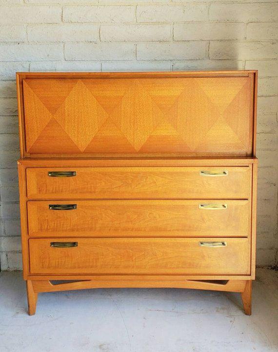 Best Vintage 1940 S Mid Century Modern Walnut Dresser Secretary 640 x 480