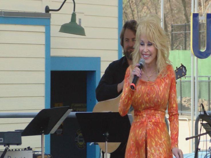 Dolly Parton in Dollywood Thursday announcing East TN tour date...: Dolly Parton in Dollywood Thursday announcing East TN… #DollyParton