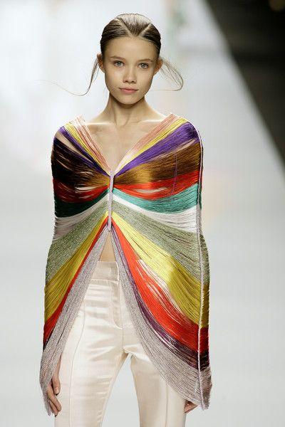 Byblos Spring 2009: Byblo Spring, Fashion Crafts, Drop Earrings, Fashion Models, Diy Fashion, Clothing, Models Fashion, Spring 2009, Milan Fashion Weeks