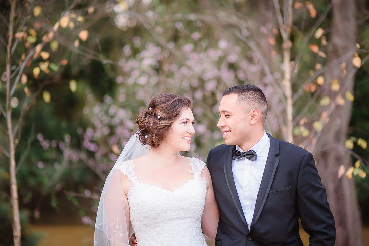 Bride & Groom shoot in the stunning Braeside gardens #autumnleaves #justmarried