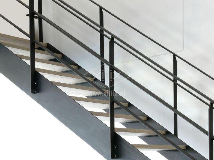 industriële steektrap xillix.nl van blank gelakt staal