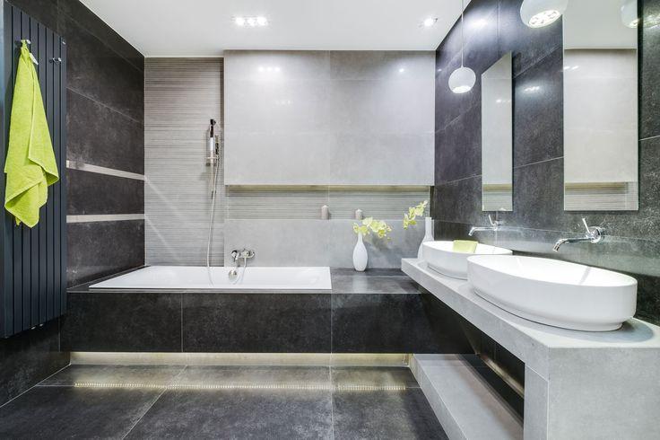 Ekspozycja Max-Fliz łazienka, grafit, klasyczny, styl klasyczny, płytki grafitowe, płytki szare z wzorem, wanna zabudowana, umywalka nablatowa, limonka, grzejnik naścienny, styl klasyczny, design. Łazienka Najwyższej jakości Płytki łazienkowe i kuchenne