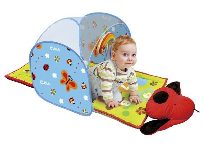 Mata  #dla_niemowląt, które właśnie zaczęły się poruszać. Górna część maty posiada tunel, pod którym dziecko może raczkować. Śliczne nadruki uczą kolorów i liczb.