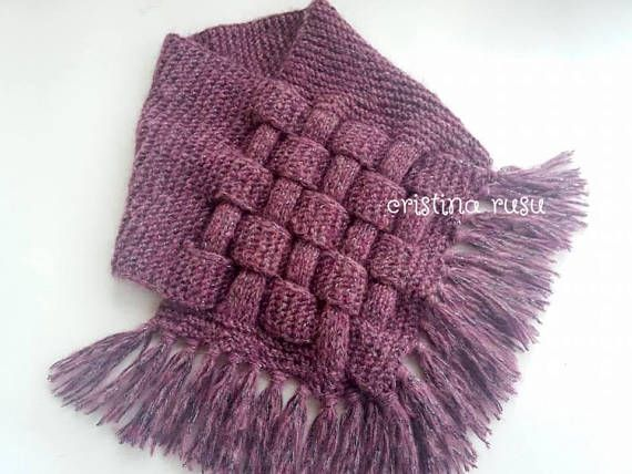 Description This beautiful knitted scarf is perfect for the changing weather and will be fun to wear all winter time. This scarf is specially designed to cover the neck and chest. It may support your clothing with its unique straw design. The colour can be changed according to