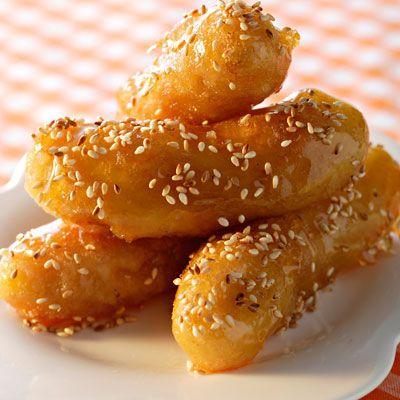 Découvrez la recette Beignets de banane à la chinoise sur cuisineactuelle.fr.