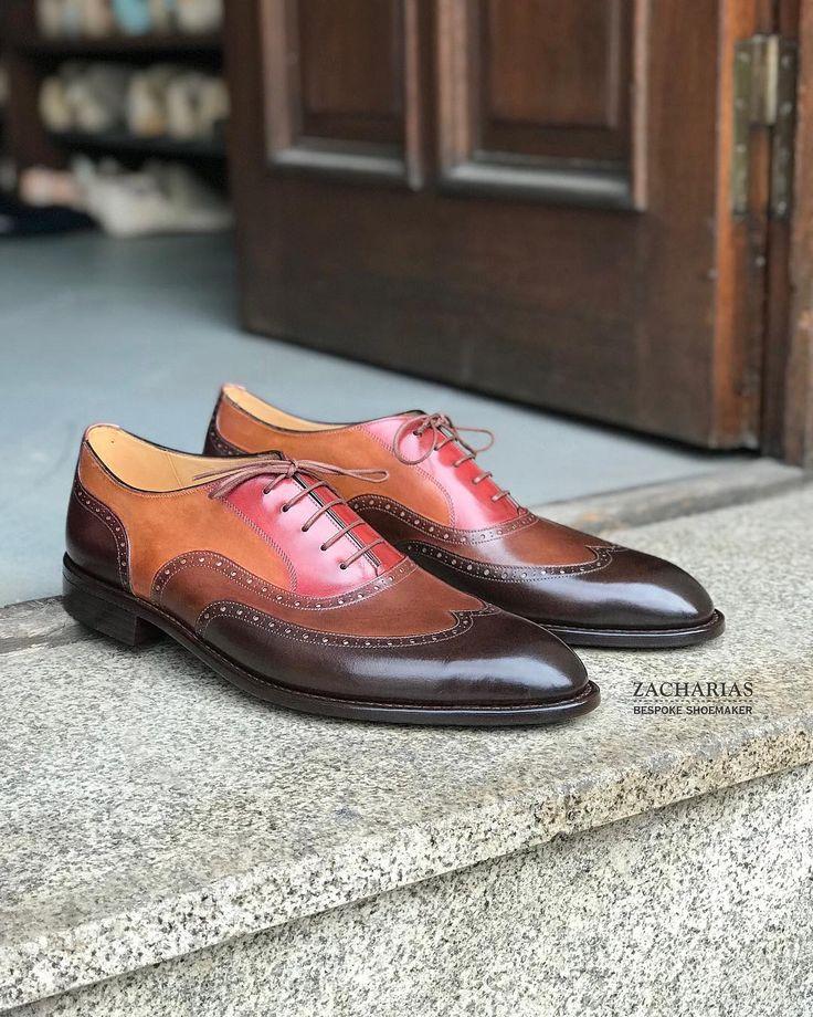 . Představujeme #boty na zakázku. . Stejný výrobní #postup stejný #materiál stejná #kvalita jako mají naše boty na míru. . Zkusíte si je vyberete barvu a střih a objednáte. . Výrazně rychleji ušité a levnější než první pár bot na míru. . Domluvte si návštěvu a přijďte si je vyzkoušet. . Více informací najdete na našich stránkách zacharias.cz Link v profilu.