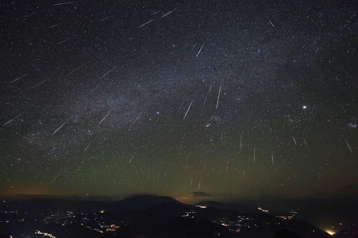 """Lluvia de Estrellas en Yucatán  ¡Grandioso fenómeno natural el que podremos observar en Yucatán!  A partir de hoy y hasta el día domingo ocurrirá la llamada """"Lluvia de estrellas Gemínidas"""" o también """"De la Virgen"""" debido a las fechas en que ésta se presenta.  Este gran espectáculo registrará la caída de unos 100 meteoritos por hora…  ¡La naturaleza es única, hay que valorarla!  http://gsip.se/1rSVbd6"""